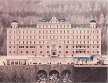 Façade du Grand Budapest Hotel dans le film (copyright American Empirical Pictures, 2014)