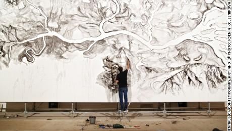 Qiu Zhijie à l'oeuvre / Qiu Zhijie at work
